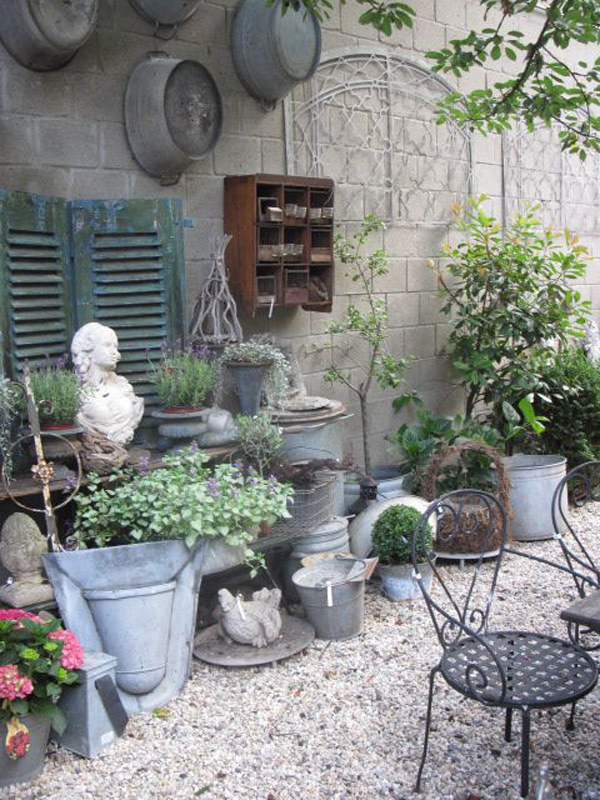 25 Shabby-Chic Style Outdoor Design Ideas - Decoration Love on Chic Patio Ideas id=44837