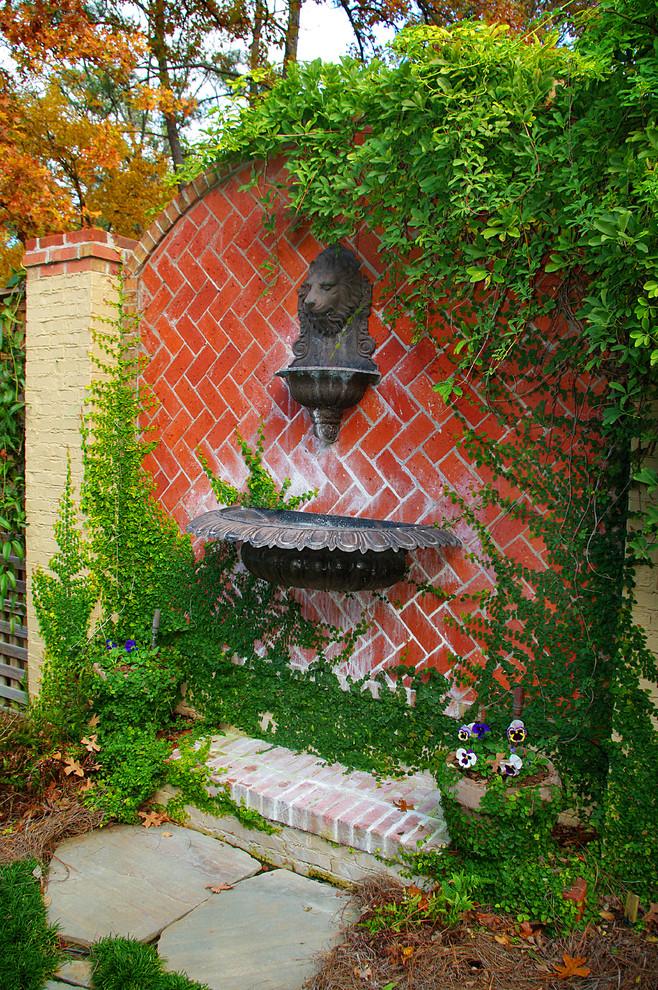 25 Traditional Outdoor Design Ideas - Decoration Love on Garden Patio Wall Ideas id=74288