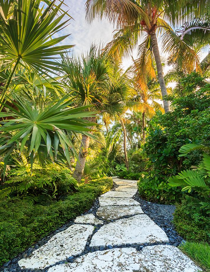 25 Tropical Outdoor Design Ideas - Decoration Love on Tropical Backyard Ideas  id=83970