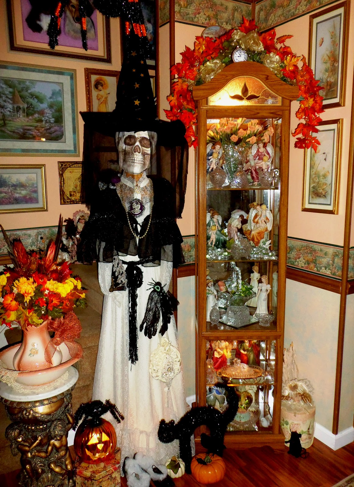 20 Stunning Halloween Room Decorations Ideas - Decoration Love on Decor Room  id=35870