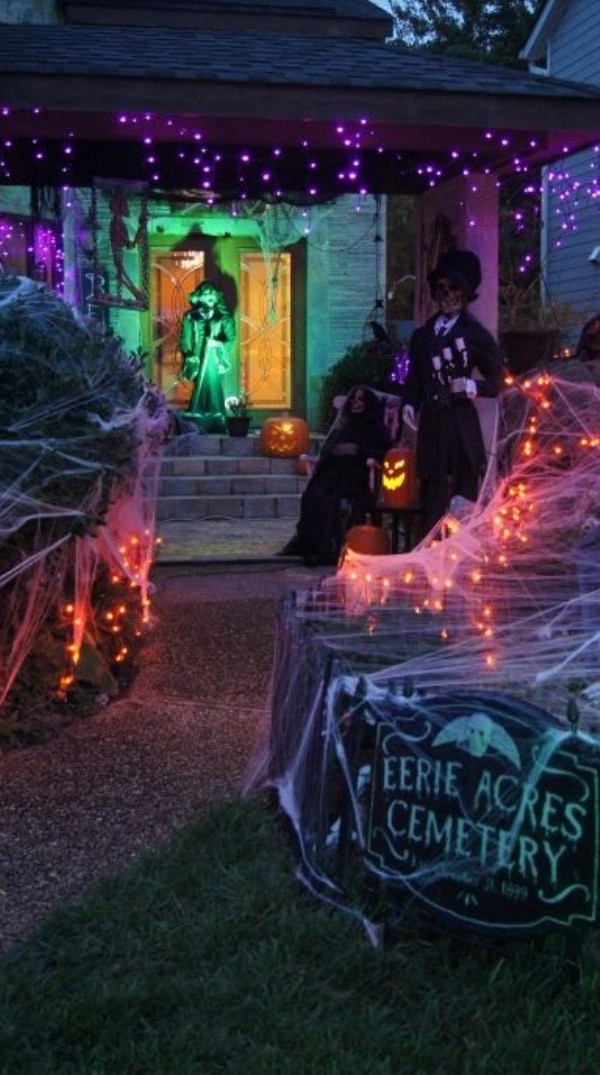 We may earn a commission for purchases using our links. 30 Outdoor Halloween Decorations Ideas - Decoration Love