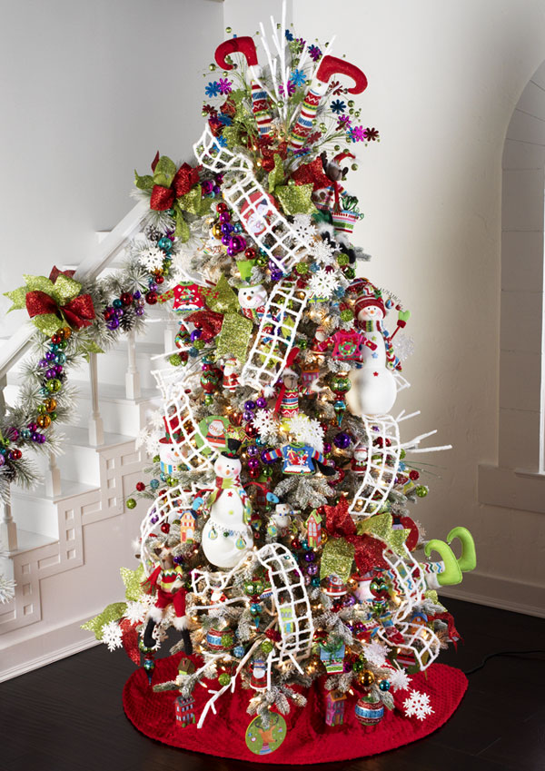 You'll have to be very careful with this, though. 42 Bright Christmas Tree Decorations Ideas - Decoration Love