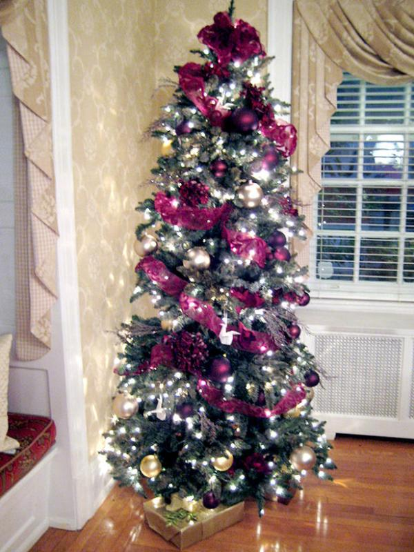 Nothing more classic than white, but don't count out purple just yet. 35 Purple Christmas Tree Decorations Ideas You Can't Miss