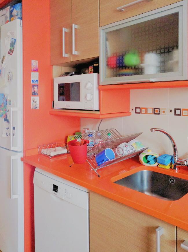 Zona del fregadero de la cocina de alquiler