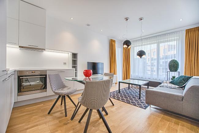piso pequeño de estilo contemporáneo