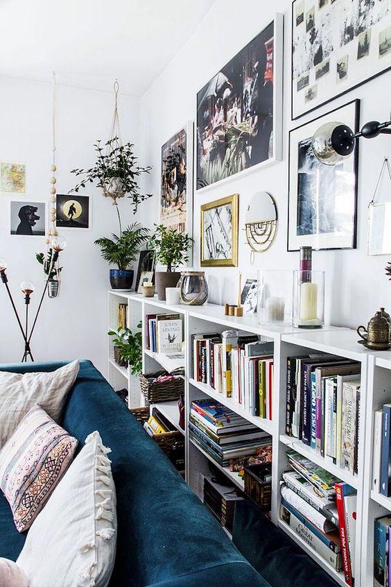 librería a lo largo de toda la pared