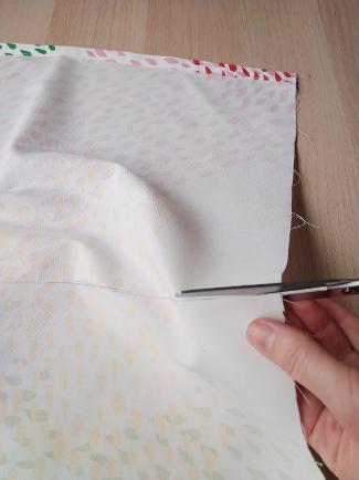 cortando la pieza por la marca