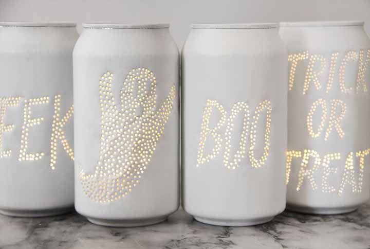 Crie um efeito especial para as luminárias feitas de latinha