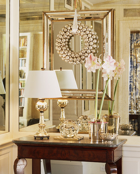 Traditional Home Decoration: Top 10 Don'ts & Dos For Christmas Decorating