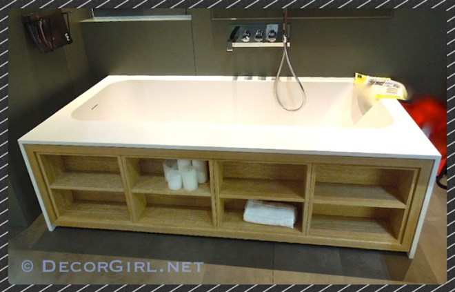 Tub with shelves