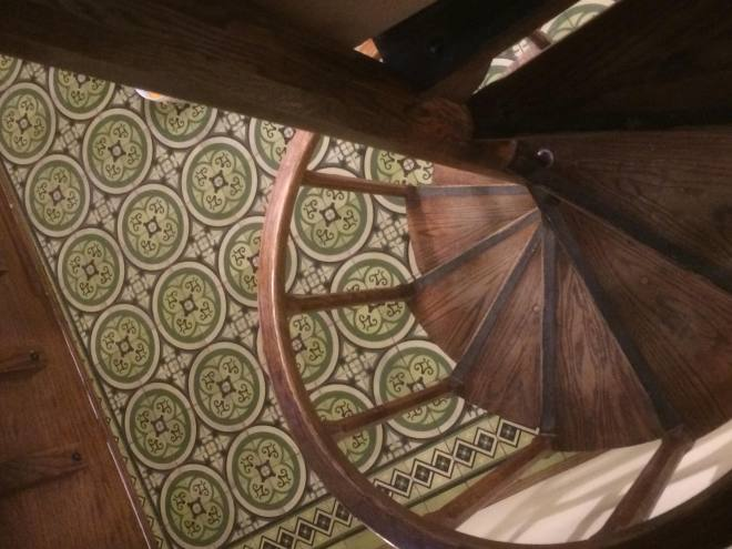 cuban-cement-tile-with-wood