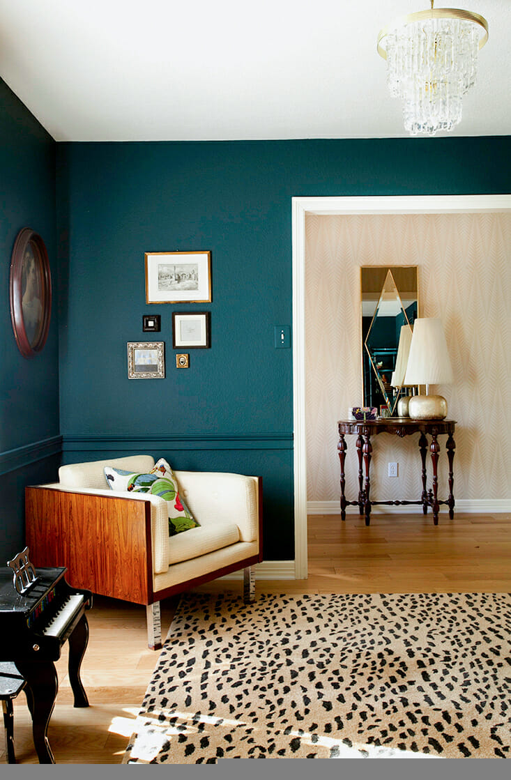 How to Use Bold Paint Colors in Your Living Room on Room Painting id=25250