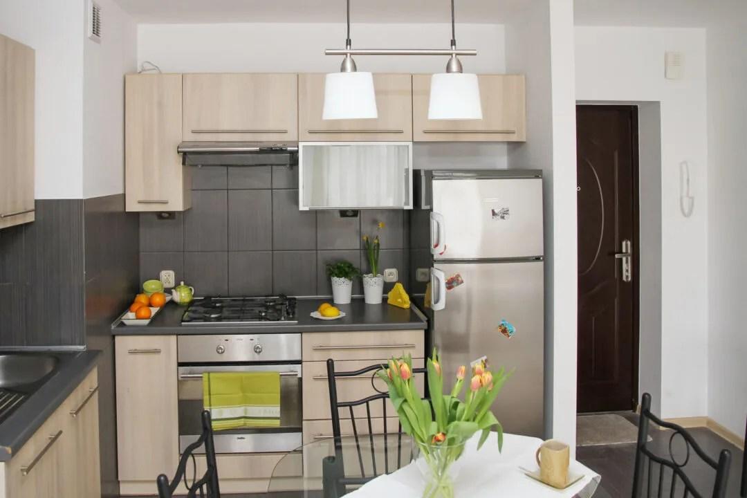 Decorar una cocina peque a decorissimo inspiraci n for Como disenar una cocina pequena