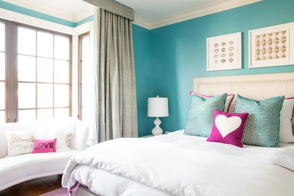 A Teen Bedroom Gets An Entirely New Look Without Changing ... on A Teen Room  id=63109