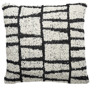 23 x23 tomar outdoor black and white pillow