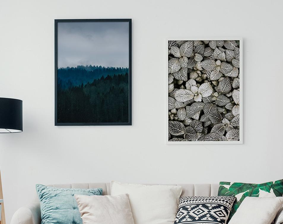 Dekoracje ścienne w ramie z motywem przyrody w duńskim stylu hygge