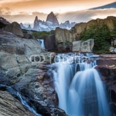 krajobraz-wodospad-fototapeta-dekoracja-scienna-3d
