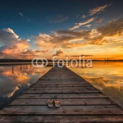 łódź-na-jeziorze-fototapeta