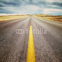 autostrada-w-ameryce-pochmurne-niebo-fototapeta