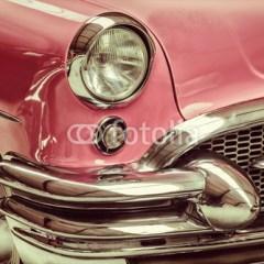 rozowe-stare-auto-retro-styl