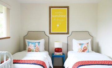 soft and colorful bedroom decorating ideas for twin girls