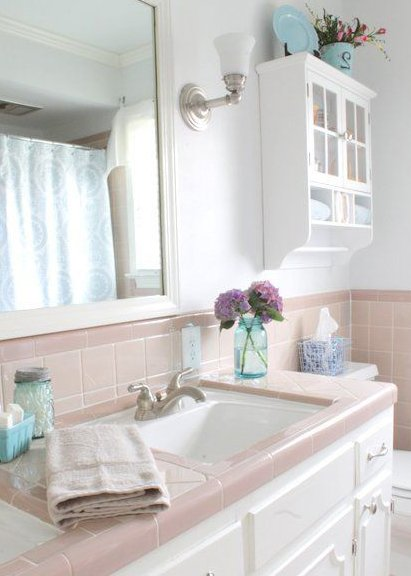 pink and blue bathroom