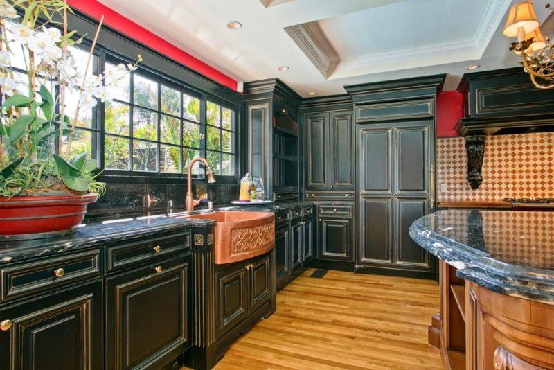 Dark Cabinet Kitchen Designs