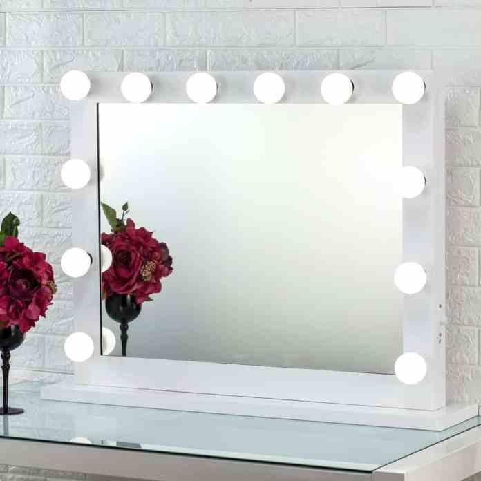 Top 7 Best Light Up Vanity Mirrors 2021 Review