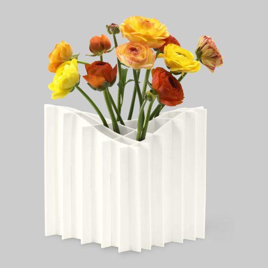 Vase pas cher -Terrain Vase by Stephan Jaklitsch
