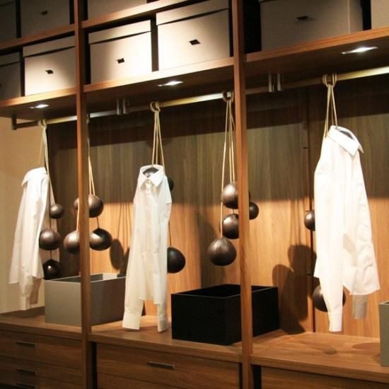 Clothes Rack - Le porte-manteaux by Donatta Paruccini
