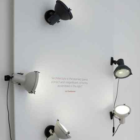 L'applique design Projecteur 165 Clip by le Corbusier