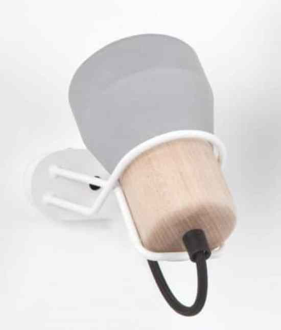 Les lampes Cement Wood by Thinkk Studio pour Spécimen Editions