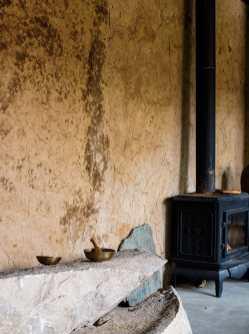Rénover une ruine pour en faire une maison moderne et confortable
