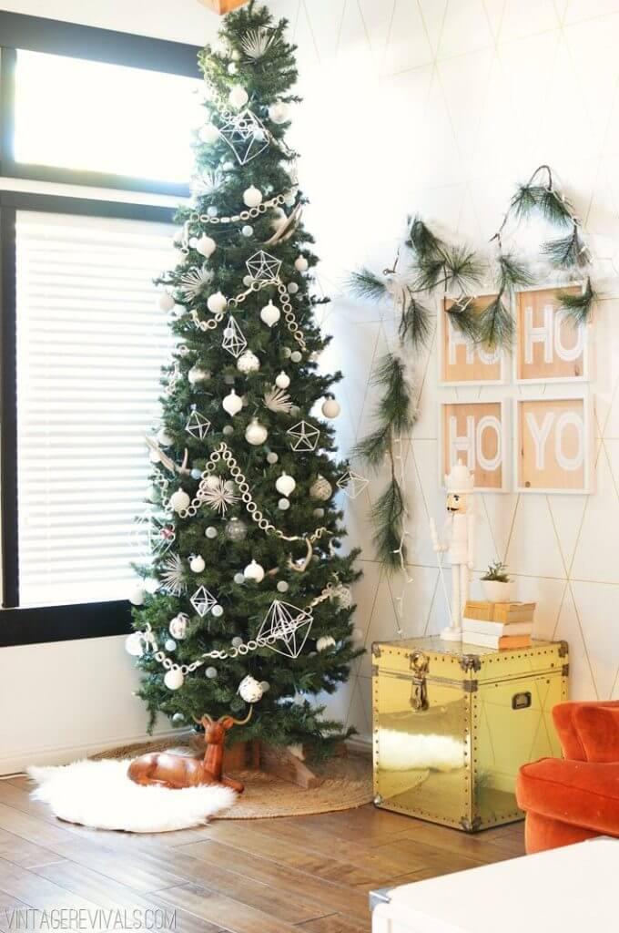 Un sapin de Noël blanc