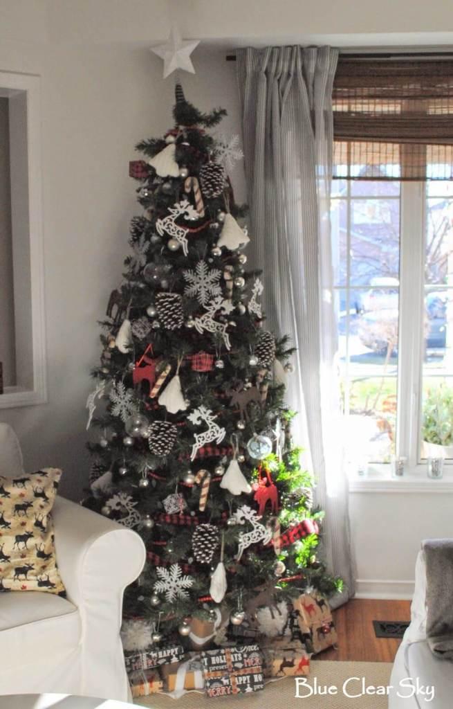 Décorations de sapins de Noëlpommes de pin