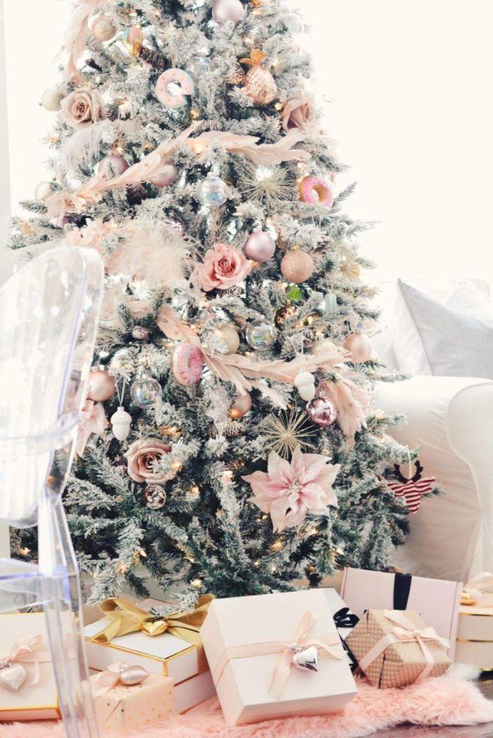 Idées de décoration de sapin de Noëlla plume