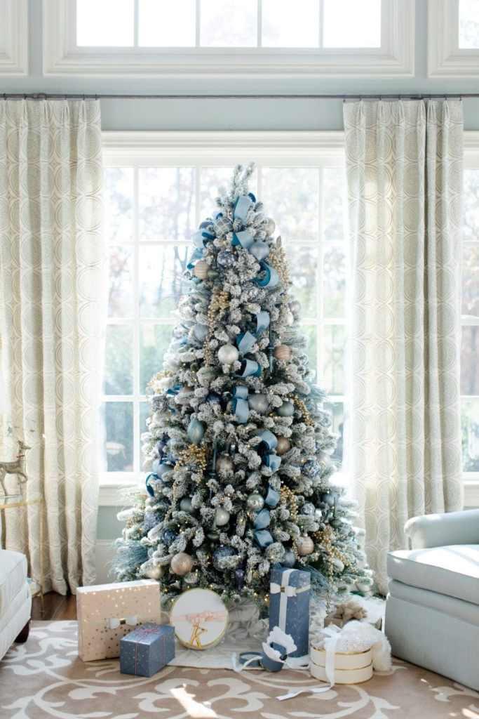 Idées de décoration de sapin de Noël le bleu