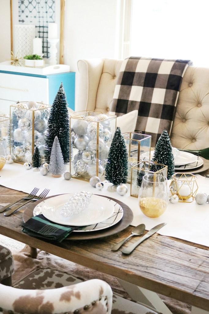 Ajoutez de petits arbres de Noël