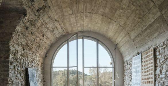 Joan Lao Design Studio dévoile la rénovation de cette ferme centenaire