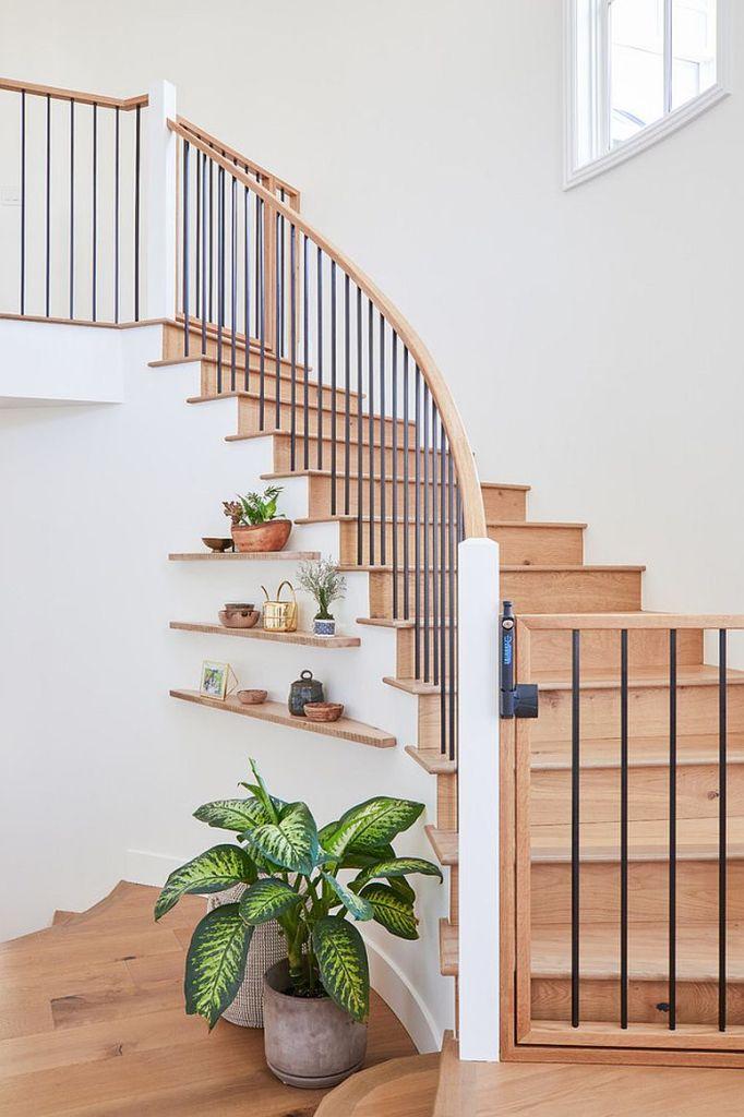 Comment utiliser l'espace sous l'escalier de votre maison 3
