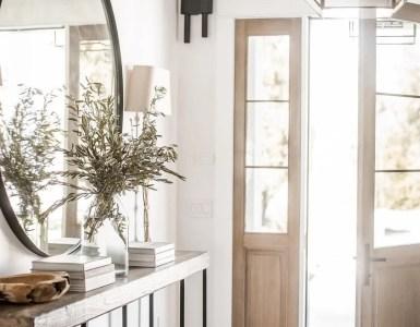 Décorer votre console avec des miroirs sur le mur