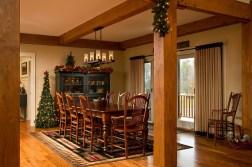 21 idées pour décorer votre salle à manger à Noël avec une touche festive 6