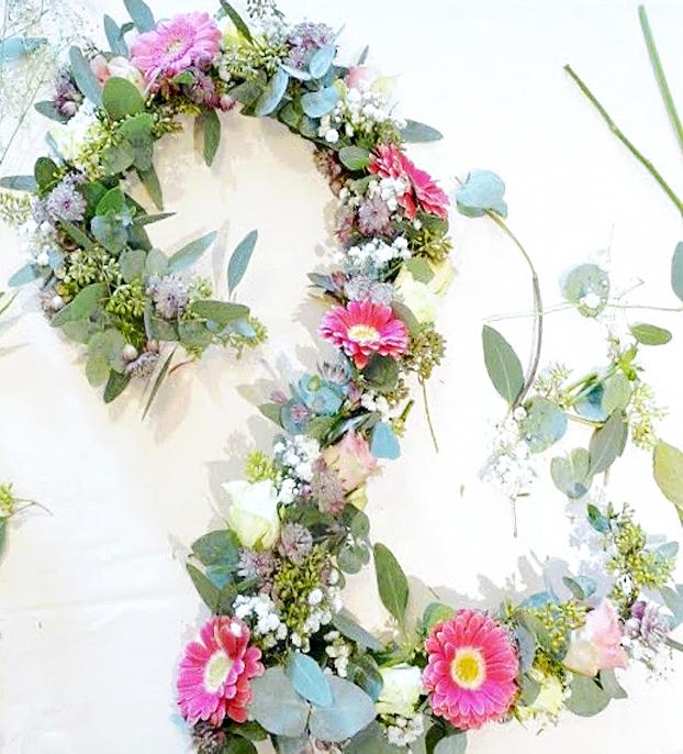 DIY-un-chiffre-de-fleurs-tableau-végétal8