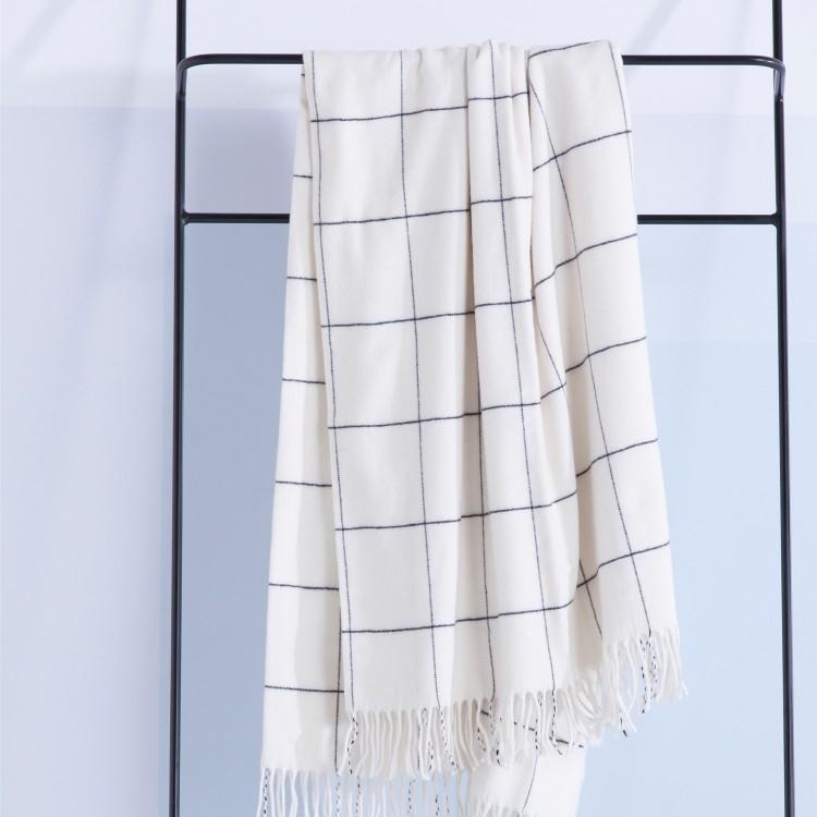 DH-Frame_wool_white_plaid