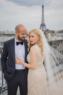 Vintage Style Bride Eiffel Tower