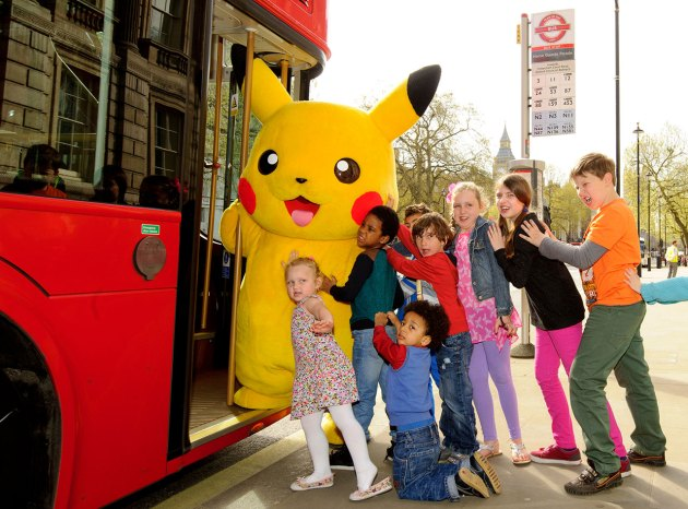 Pikachu-kids-bus-4