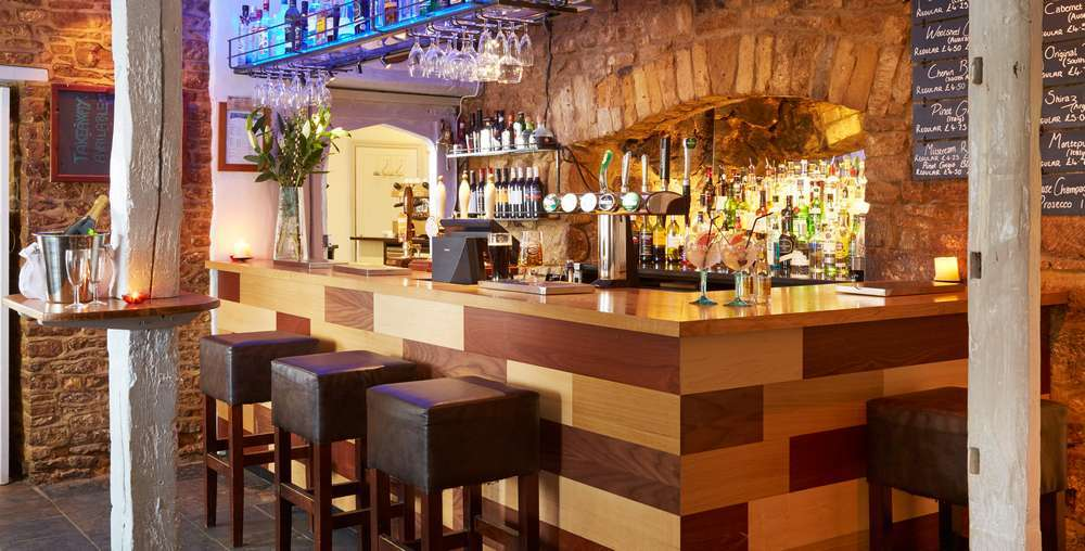 Deddington Arms Hotel Food and Drink