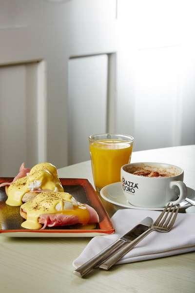 Breakfast at the Deddington Arms Hotel Oxfordshire