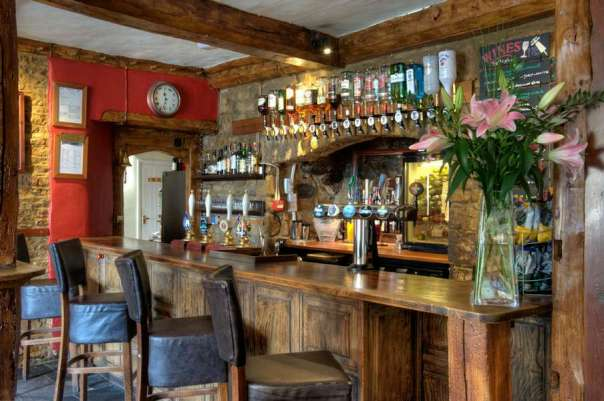 Deddington Arms Hotel Bar