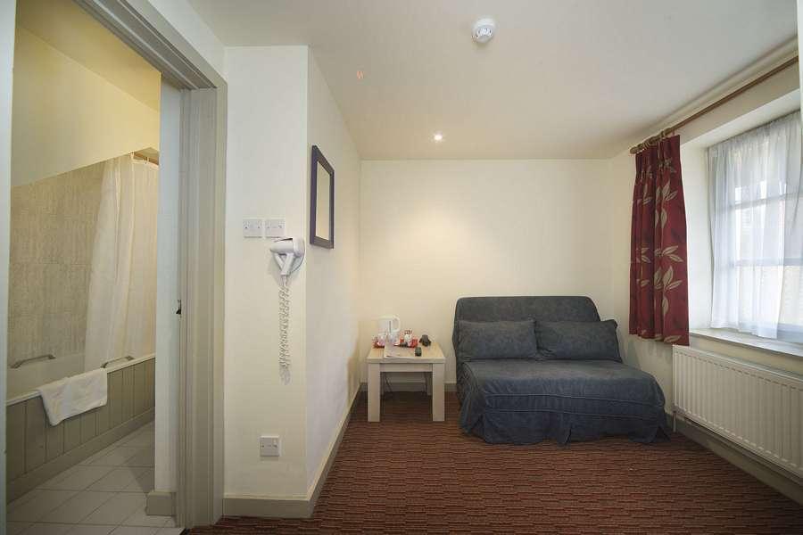 Deddington Premier Room